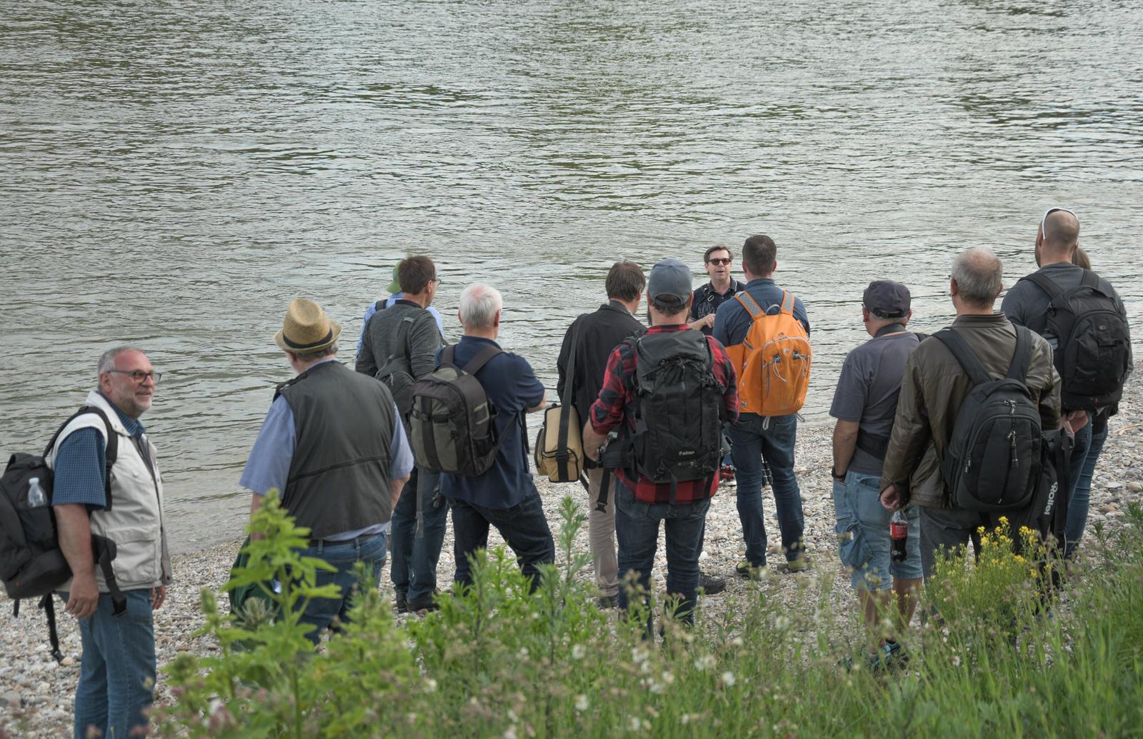 Kurze Erklärungen am Donaustrand