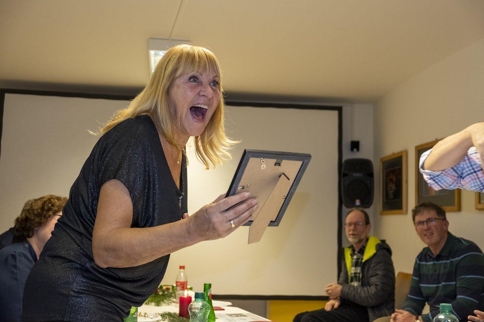Annemarie bekommt die Auszeichnung für den Aufsteiger des Jahres.